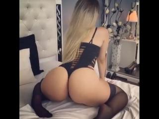 порно на вебку с красиврй попой