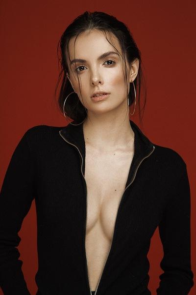 Марина Омарова