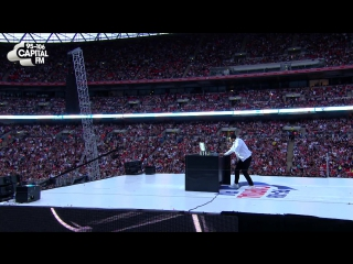 Craig david - fill me in (live at the summertime ball)