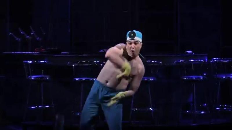 Владимир Швец - танец доктора в Ladies night (Донецк)