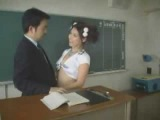 порно видео! Ученица пристает к учителю