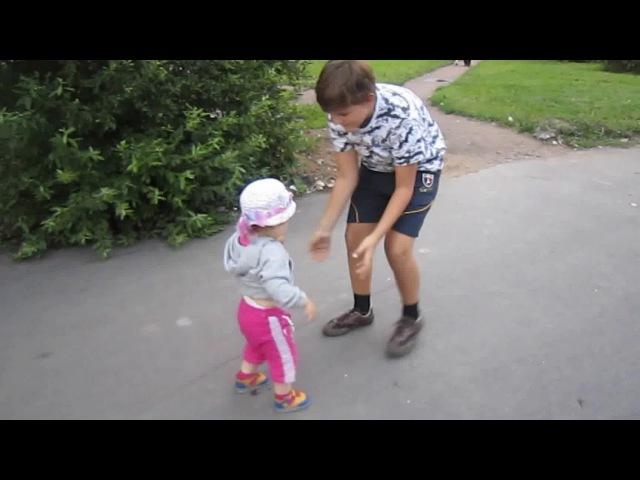 Молодой Станистан играет с племянницей