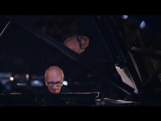 Ludovico Einaudi – Fly [FIP 2015]