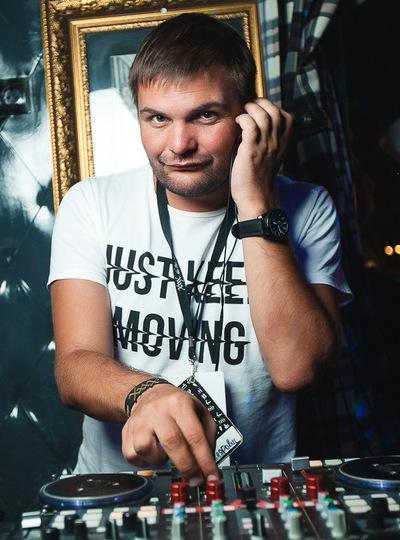 Антон Новожилов