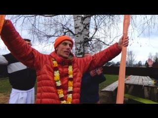 Бхакти Сварупа Чайтанья Махарадж на стройке храма! (с Любовью :))