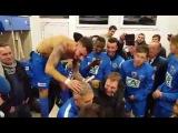 Le coach d'Avranches se fait raser le crâne en direct par ses joueurs