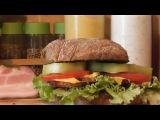 Горячий бутерброд сэндвич с беконом и овощами \  Hot sandwich with bacon and vegetables