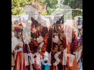 Пару, которая устроила свадьбу в индонезийском стиле, преследуют маги