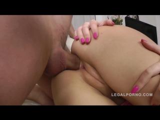 порно нарезка жесткого кастинга видео
