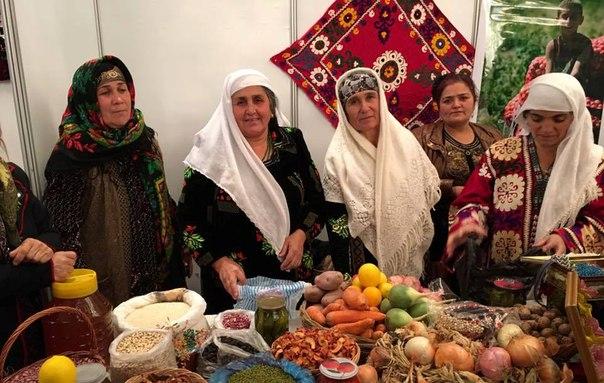 В Душанбе проходит Международный женский бизнес-форум