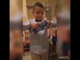 Родители разгневали сына, подарив футболку не того клуба