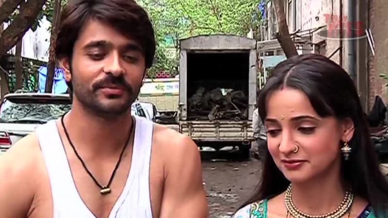 Rangrasiya- Paro refuses to go on honeymoon and leaves Rudra upset