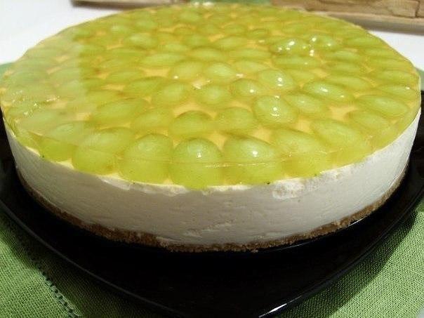 Торт-желе виноградный Легкий в исполнении и беспроигрышный