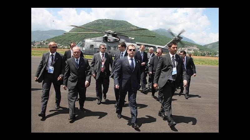 Asasini fără frontiere - Miliardari vânați, bani murdari, crime la comandă și bărbați ciuruiți!