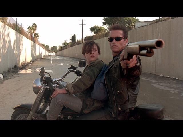 T-800 спасает Джона Коннора — «Терминатор 2: Судный день» (1991) сцена 4/10 HD
