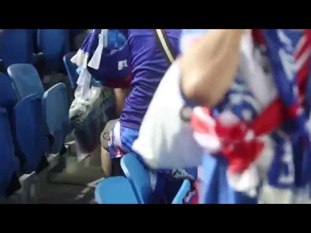 Japoneses catam lixo depois do jogo na copa do mundo