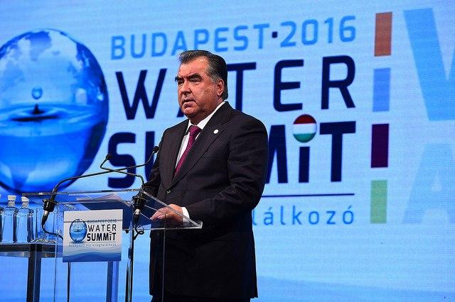 Эмомали Рахмон: Решить сложные водно-энергетические вопросы в регионе можно только сотрудничая