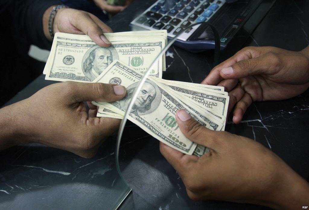 Таджикистану следует найти альтернативу денежным переводам мигрантов