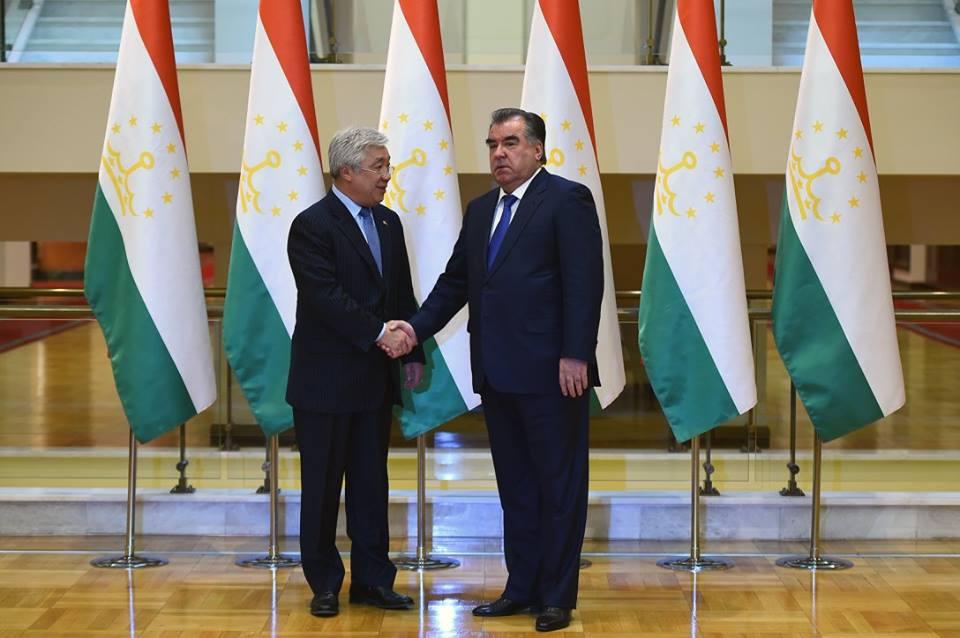 Астана и Душанбе могут поддержать национальную экономику Афганистана
