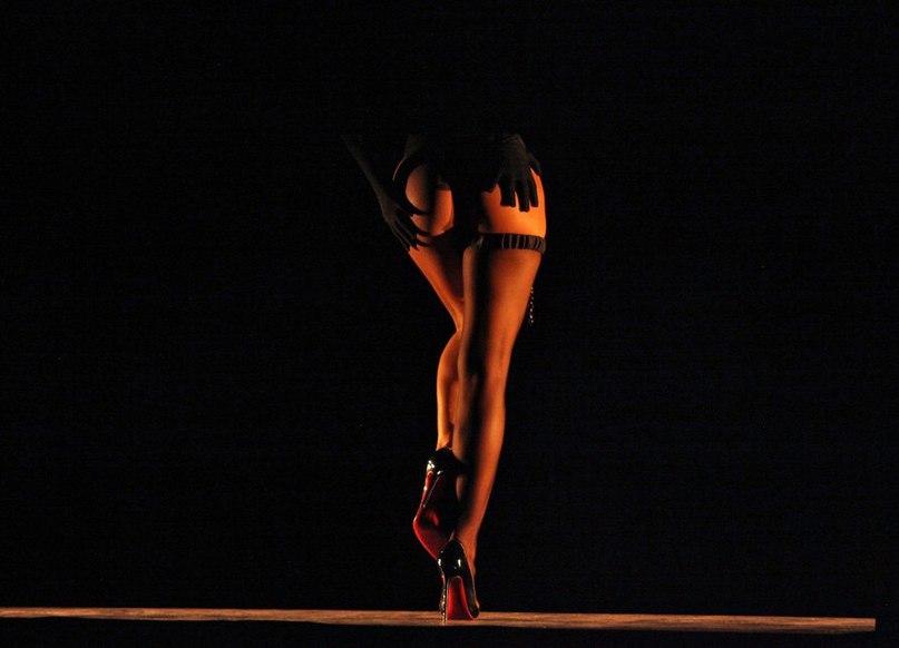 приватные танцы голых девок