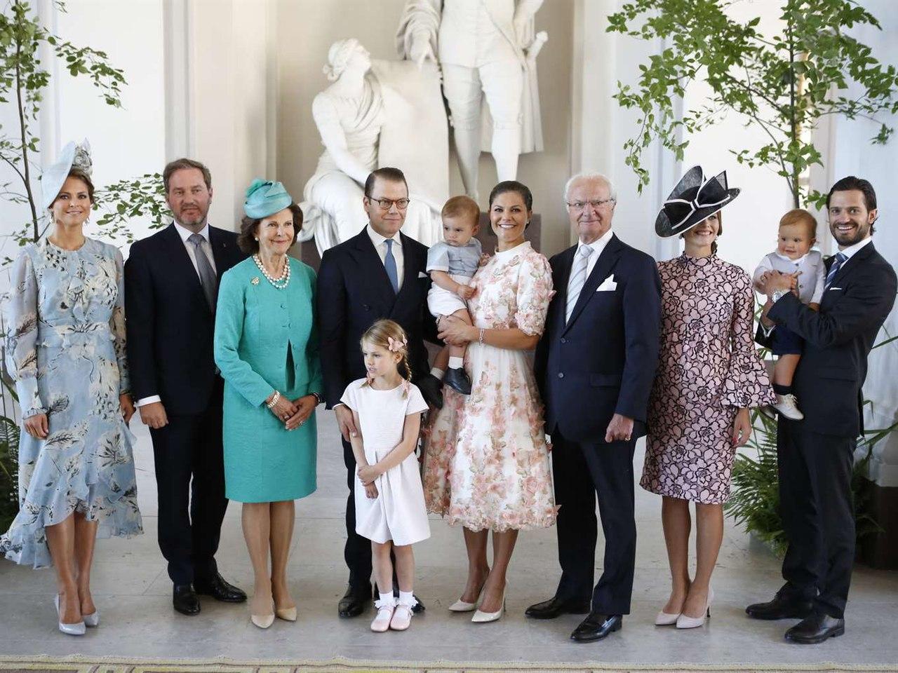 акция фото королевы швеции с детьми оказалась выездке
