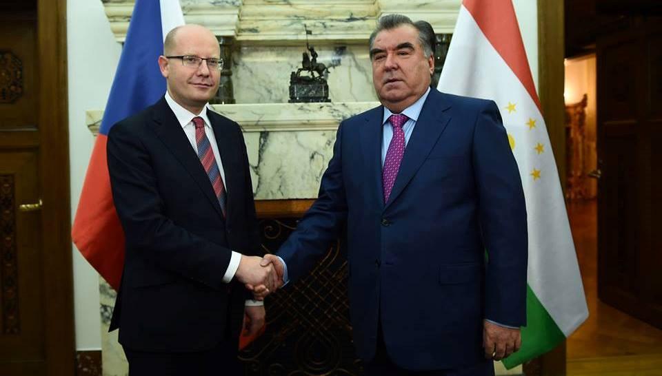 Президент Таджикистана встретился с премьер-министром Чехии