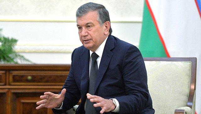Эмомали Рахмон поздравил Шавката Мирзиёева с избранием на пост президента Узбекистана