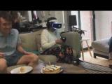 video GIF Прикол Когда дал бабушке очки виртуальной реальности вместо обычных