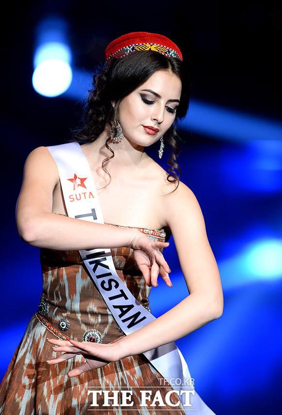 Новость дня: 17 летняя таджикская модель вошла в топ десятку на мировом конкурсе красоты