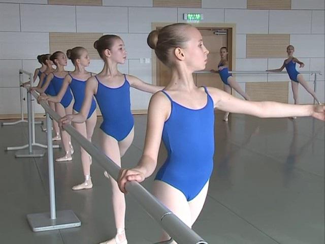 Ученики филиала Академии Русского балета им. А.Я. Вагановойсдают первый экзамен