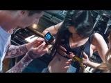 Как склеить девушку в баре. Самая болезненная техника нанесения тату