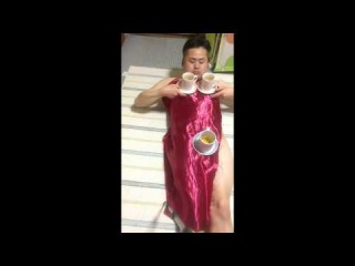 Japanese man adds a naked twist to the old fashioned tablecloth trick - Incredible Magician