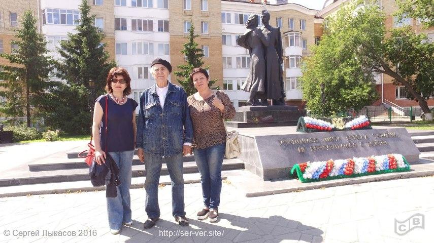 Режиссер, сценарист и Н.Распопов у