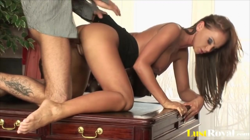 порно домработница кристина белла