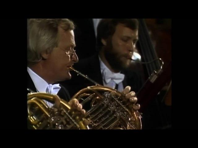 Mozart Serenade No 11 K 375 Colin Davis BRSO