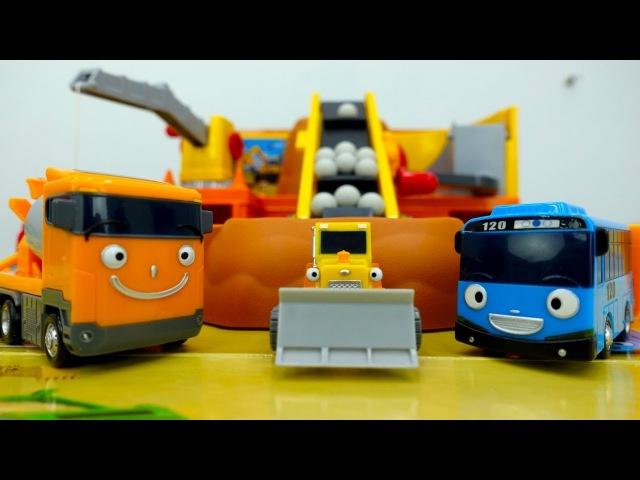 Tayo der Bus und Spielzeugautos🚌Tayo Spielzeuge gehen in die Waschstraße/Helfer Autos auf Deutsch