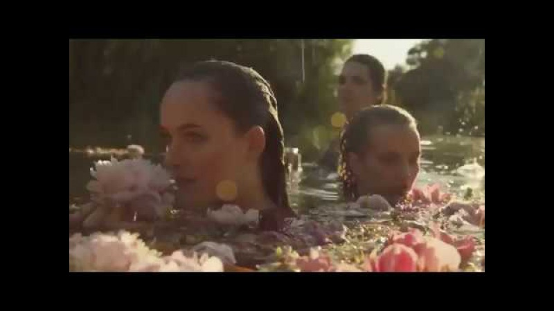 Gucci Bloom, the new fragance for her (Dakota Johnson)