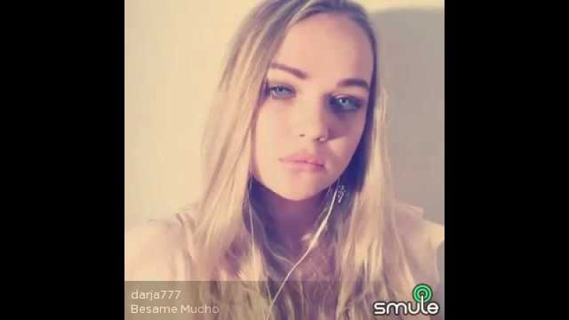 Chica Rusa canta una canción MEXICANA ( Bésame mucho )