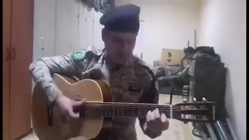 Azərbaycan əsgərindən möhtəşəm ifa - Ana əsgər gedirəm