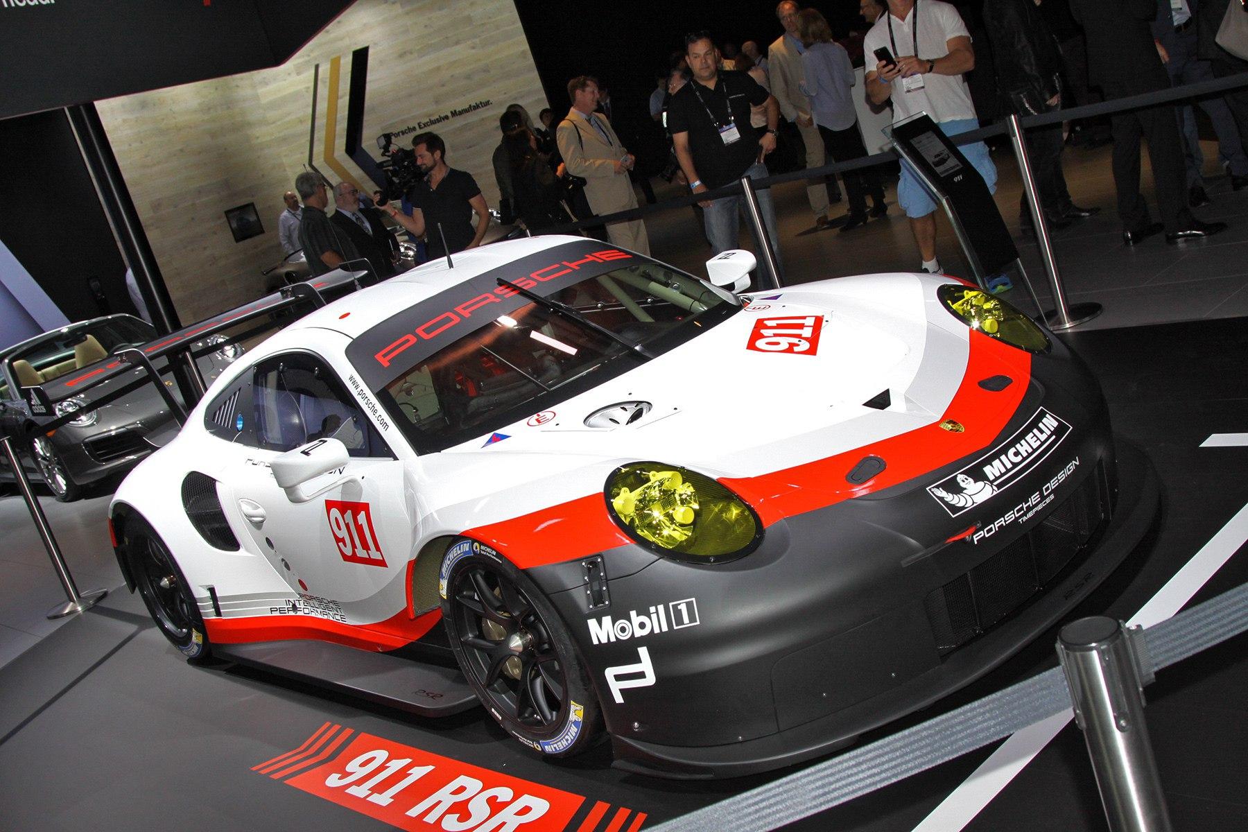 Новый среднемоторный Porsche 911 RSR предназначен только для гонок