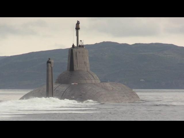 крейсер «Петр Великий» и подводный крейсер«Дмитрий Донской»