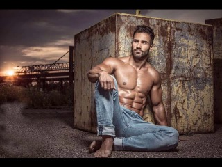 Attractive Mens Muscles - 2017