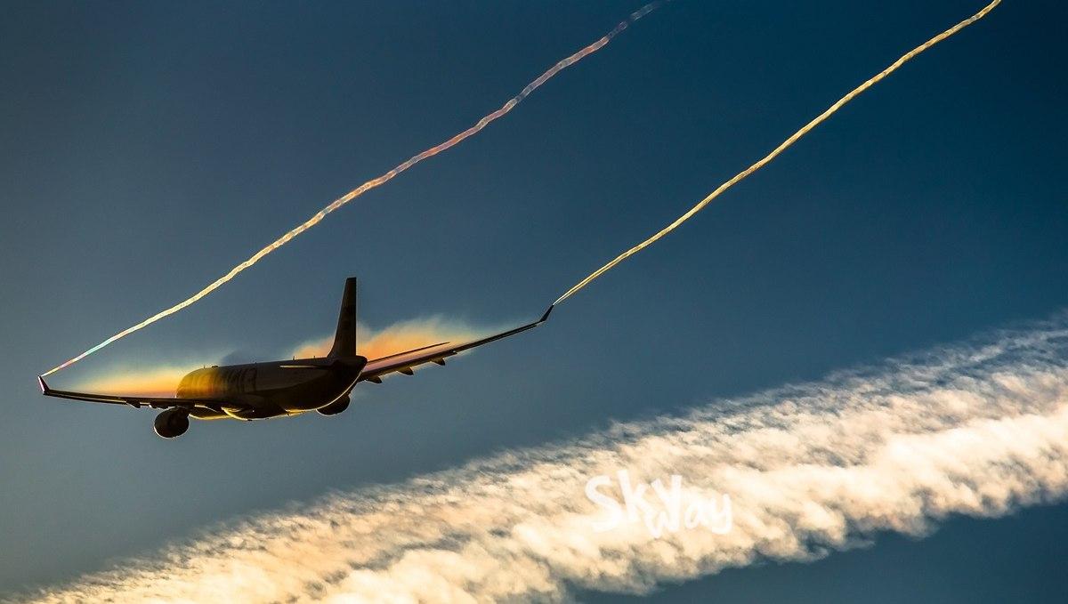 Почему самолеты оставляют Конденсационный След?