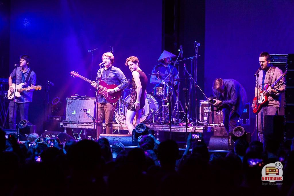 совместный концерт Pompeya и On-the-go в московском клубе RED Parks, Squares And Alleys