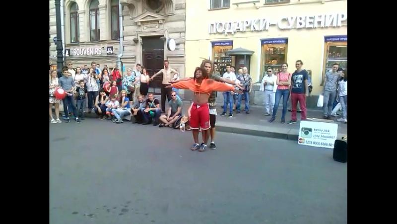 Танцоры жгут, а Миньон рулит