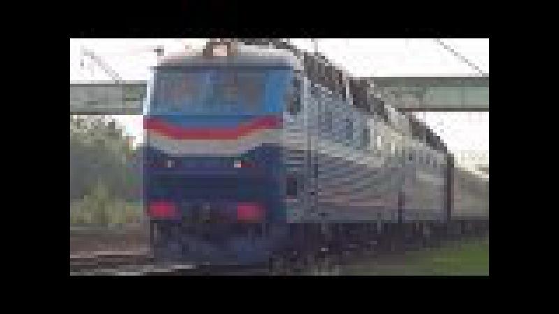 ЧС7-011 с фирменным поездом №60 Москва - Нижневартовск