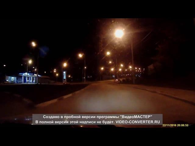 Яндекс Такси едет по встречке. Воронеж