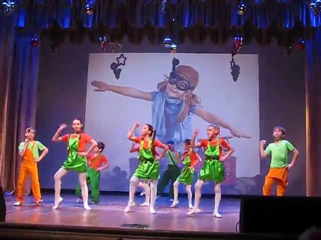 Театрально- танцевальная студия Академии Радости. Осторожно , дети!