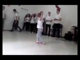 Грузин танцует Лезгинку ლეზგინკა პატარა ქართველის შესრულები&#43