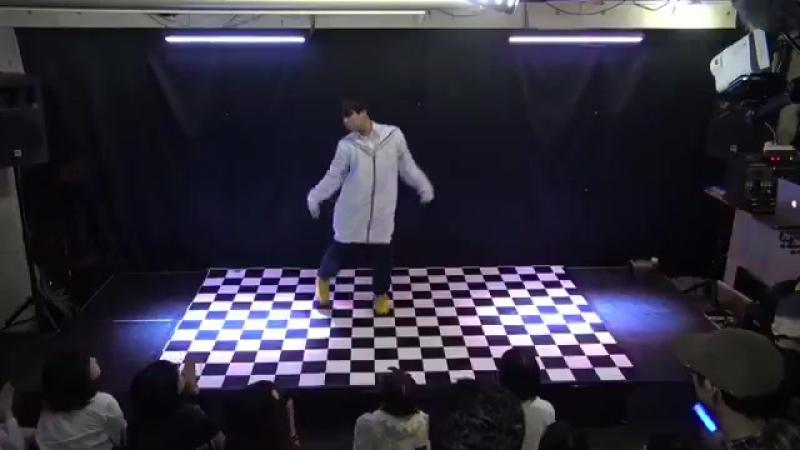 ニコフェスで踊ったメトロとゴジラ!!__参考動画はいりぽん先生や! httpst.co_BtjXi00Ffb ( SQ )